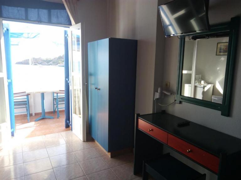 Deluxe Δίκλινο Δωμάτιο με Μπαλκόνι και Θέα στη Θάλασσα